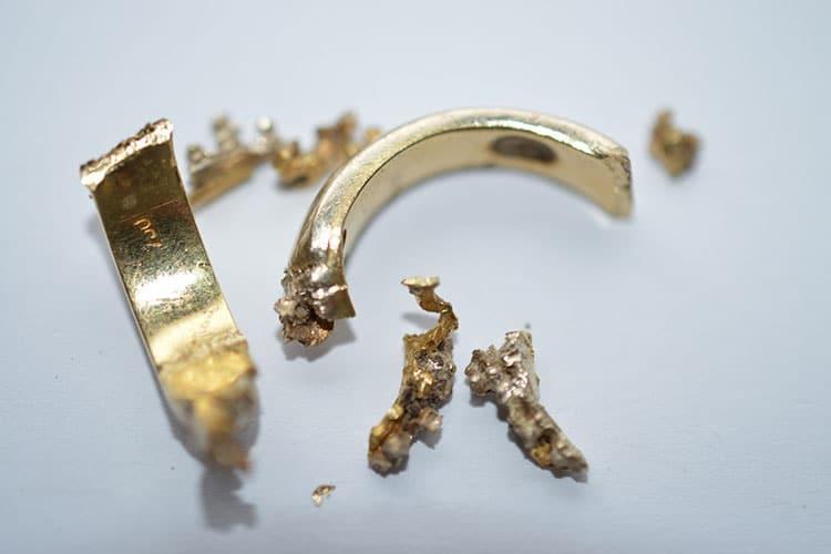 zerbrochenes Gold und Bruchgold verkaufen