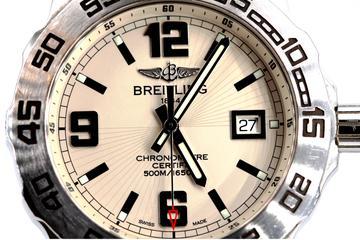 Breitling Colt 44 A74387 Ziffernblatt Lünette und Datum